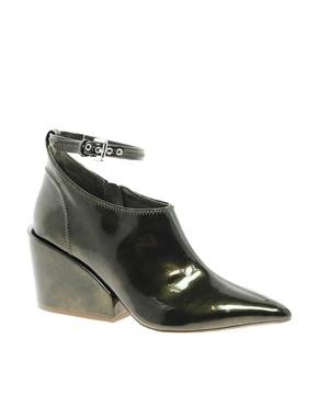 Cube deep healed shoe(ASOS) 98,32